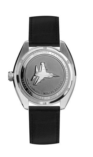Фото швейцарских часов Мужские швейцарские наручные часы Aviator MIG-25 FOXBAT M.1.05.0.012.6