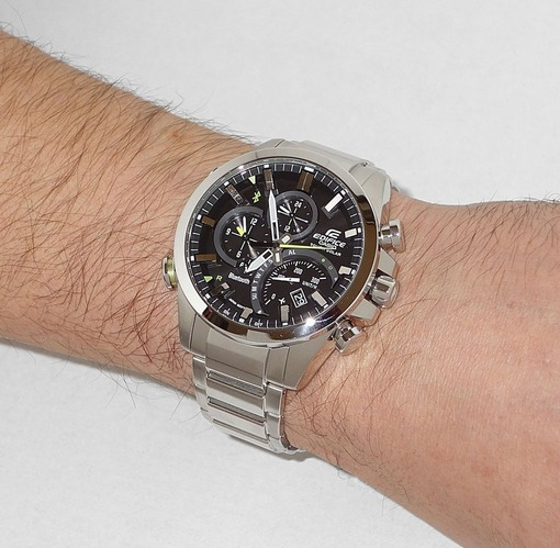 Фото японских часов Мужские японские наручные часы Casio Edifice Link With Smartphone EQB-500D-1A