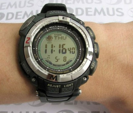 Фото японских часов Casio Protrek PRW-1500-1V