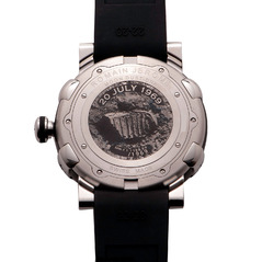 Фото Romain Jerome MW.F1.11BB.00.BB