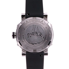 Фото Romain Jerome T.111BB.11.BB